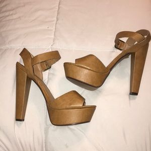 Shoes - Heart in D Tan Leather Heels